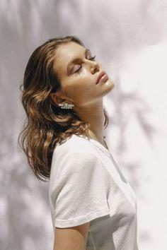 Kaia Gerber YSL Beauty Station Campaign | Fashion Gone Rogue Kaia Gerber, Believe, Natural Everyday Makeup, Photographie Portrait Inspiration, Ysl Beauty, Campaign Fashion, Model Photographers, Affordable Clothes, Portrait Photography