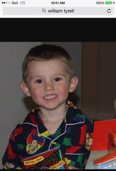 This is William Tyrell. He's missing.... Please retweet this picture as much as possible. #Wednesdaysforwilliam