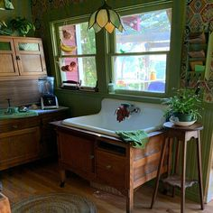 X Single Bowl Double Drainboard Farmhouse Sink Reproduction Model Vintage Kitchen Sink, Retro Kitchen Decor, Vintage Farmhouse Sink, Old Farmhouse Kitchen, Vintage Sink, Kitchen Sinks, Bathroom Sinks, Farmhouse Decor, Kitchen Ideas