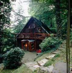 Moon to Moon: A Frame (Triangle) Houses... | We use to hangout in the a-frame at friends' lakehouse!