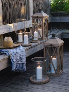 Beautiful Ways You Can Use Candles As Decor - Feed My Design. Patio Lanterns, Floor Lanterns, Lanterns Decor, Candle Lanterns, Candle Lighting, Partylite, Cottage Christmas, Home Candles, Beach House Decor