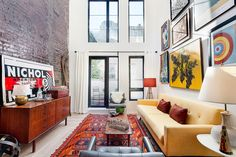 8 Of NYC's Cutest, Tiniest Apartments On The Market Right Now #refinery29 http://www.refinery29.com/current-new-york-smallest-apartments#slide-10 Neighborhood: WilliamsburgAddress: 156 Broadway (between Bedford and Driggs avenues), #2APrice: $750,000Size: 621 square feetMost New Yorkers could only dream of having a wall of windows or high ceilings. Here, ...