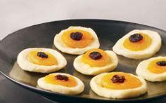healthy eyeball snack:  dried apple rings, dried apricots, raisins