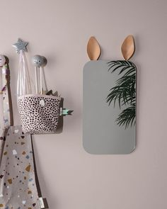 Children mirrors | Find the perfect mirror for your children bedrooms with Circu Magical Furniture. Discover more: CIRCU.NET
