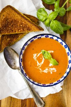 Creamy Tomato Basil Soup -- this creamy tomato basil soup recipe is a total copycat of my favorite soup at First Watch! Perfect paired with a hot and fresh classic grilled cheese sandwich...   creamy tomato soup   tomato soup easy   tomato soup recipe   tomato basil soup   homemade tomato soup   find the recipe on unsophisticook.com #tomatosoup #tomatobasilsoup #souprecipes #easyrecipes #unsophisticook