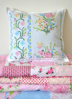 Cross stitch pillow: