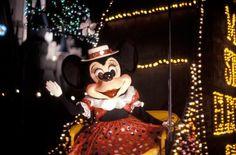 Step In Time: 'Main Street Electrical Parade' Lights Up Magic Kingdom Park at Walt Disney World Resort Disney Characters Costumes, Disney World Characters, Disney Girls, Disney Love, Disney Disney, Disney Stuff, Disney World Resorts, Walt Disney World, Disney Vacation Club