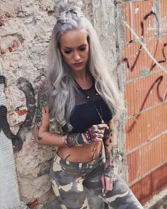 Tattooed model Tiffy Hollywood, alternative photo and fitnes model | Germany