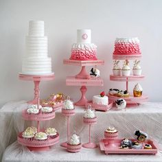 Pink cake stand cupcake tray birdcage birthday cake tools home decoration candy bar dessert table party supplier Baby Girl Birthday Cake, Cake Table Birthday, Table Party, 20th Birthday, Dessert Bars, Dessert Table, Bubble Paper, Candy Buffet Tables, Cupcake Tray