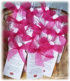 Treats Cute pillow treats for YW camp. 062513 pillow treats for YW camp. Craft Gifts, Diy Gifts, Homemade Gifts, Retreat Gifts, Retreat Ideas, Women's Retreat, Walk To Emmaus, Pillow Treats, Camping Pillows