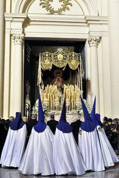 """Semana Santa de Zaragoza. Domingo de RamosCofradía de """"La Humildad""""  Spain"""