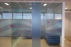 20/05/12: This design uses our writable vinyl, so dry wipe pens can easily be used to book the meeting room. Clever, eh?