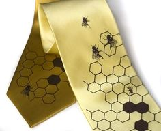 As soon as I saw this tie, I knew it would look great with the honey & wheat Martha Stewart Weddings theme.