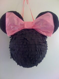 Julie Adama posted DIY Minnie Pinata to her -babies & things- postboard via the Juxtapost bookmarklet. Minnie Mouse Pinata, Minnie Mouse 1st Birthday, Minnie Mouse Theme, Diy Birthday, Birthday Party Decorations, 1st Birthday Parties, Theme Mickey, Mickey Party, Elmo Party