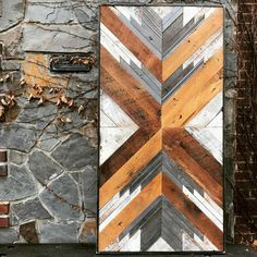 Create Simple Pallet Wood Projects To Enhance Your Home's Interior Decor Reclaimed Wood Wall Art, Wooden Wall Art, Wooden Doors, Diy Wood Projects, Wood Crafts, Modern Exterior Doors, Glass Panel Door, Glass Panels, Wood Mosaic