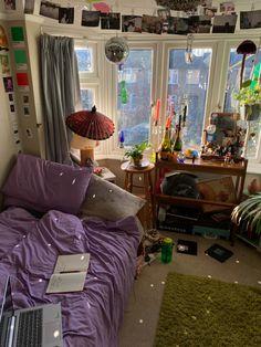 Indie Room Decor, Aesthetic Room Decor, Indie Bedroom, Dream Rooms, Dream Bedroom, Room Ideas Bedroom, Bedroom Decor, Bedroom Inspo, Cozy Room