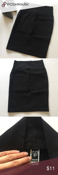 """WINDSOR🖤Black Skirt This black fitted pencil skirt from Windsor is definitely a staple piece🖤 EUC; no stains or rips. Tag says L but definitely fits like a S. 19"""" in length.   All of my items come from a smoke & pet free home.  Bundle items from my closet to get your private  offer😉✨  Thanks so much for stopping by💕 Windsor Skirts"""