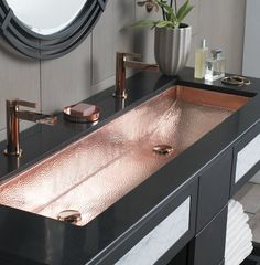 Copper Sink for ultimo luxury lifestyle Native Trails Trough Single Basin Undermount Copper Bathroom Sink Polished Copper Fixture Lavatory Sink Copper House Bathroom, Bathroom Interior, Bathroom Sink, Copper Sink Bathroom, Bathrooms Remodel, Drop In Bathroom Sinks, Bathroom Decor, Bathroom Design, Modern Sink