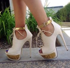 New Fashion Contrast Colour Suede Platform Sandals - Elegante Schuhe Pretty Shoes, Beautiful Shoes, Cute Shoes, Me Too Shoes, Women's Shoes, Shoe Boots, Fur Boots, Red Shoes, Talons Sexy