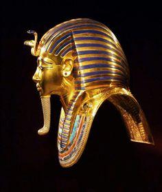 Gold Death Mask of Tutankhamun