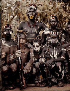 Dünyanın kaybolan kabilelerinin fotoğrafları   Gaia Dergi