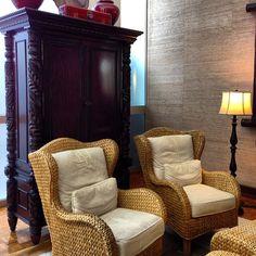 love this woven wing back chairs #sittingarea #thekahalaresort #oahu #hawaii #woven #wingbackchairs #seagrass #armoire #homedecor #decor #hotel #interiordesign #naturaltexture #interiordecor #housewares #homeinspiration #kouboo