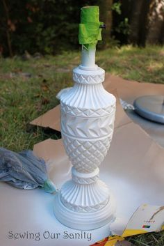 Sewing our Sanity: Spray painted glass lamp (diy crafts lamp lighting ideas) Spray Painting Glass, Diy Spray Paint, Painting Lamps, Glass Lamp Base, Milk Glass Lamp, Glass Lamps, Lamp Redo, Lamp Makeover, Diy Crafts Lamp