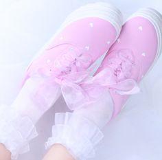 fe4b0a5788f Grey shark attack fluffy slippers SE10926
