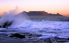 Can one ever take enough photo's of Table mountain? Most Beautiful Cities, Beautiful World, Table Mountain Cape Town, Cape Town South Africa, Africa Travel, Adventure Is Out There, Wanderlust Travel, Places To Go, Scenery