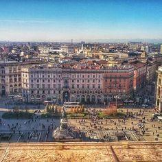 Vista de Milão do alto da Duomo #piacereitalia #Milano #italia #duomo #Milão #alpes