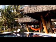 KIAROA ECO LUXURY RESORT-em frente às piscinas naturais da Península de Maraú.Sao 23 acomodacoes(09 suítes e 14 bangalôs)Pista de pouso privativa e Heliponto.10 minutos a pé da Vila de Barra Grande-Piscina/Gastronomia Internac e regional/Quadra de tenis/volley areia/Lanchas p/ passeios/Pista de pouso privativa/Heliponto/370 km do aeroporto de Salvador(SSA),e180 km de Ilhéus.Transfer Aeroporto de ilheus(IOS)-trajeto 128km-2h-ou TRansfer aereo 40 min de salvador a pista do hotel…
