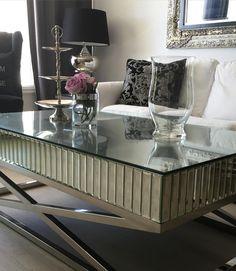 """Flere bord i vår nydelige """"Sienna Collections"""" kommer til oss i slutten av Juli Er det noen møbler fra denne kolleksjonen du kunne tenke deg?"""