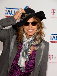 Steven Tyler Nice work with hurricane Sandy Red Cross . Many decades of success.