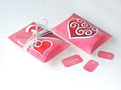 Items similar to Who Loves You Owl Valentine Pillow Gift Box Set of 12 boxes Red Pink White on Etsy