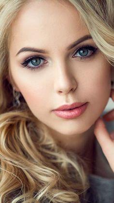 美しい人は皆、目にその美しさが現れるものですね。