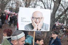 Manifestacje KOD w całym kraju. I nie tylko: protesty 'w obronie demokracji' też za granicą [NA ŻYWO ]