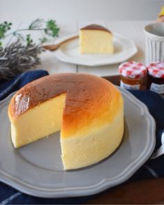Castella Cake Recipe, Japanese Cheesecake Recipes, My Favorite Food, Favorite Recipes, Food Dishes, Bread Recipes, Baked Goods, Food And Drink, Sweets