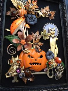 If you want to buy or collect vintage costume jewelry, learn what to look for and where to look. There is something for who is interested in vintage jewelry. Costume Jewelry Crafts, Vintage Jewelry Crafts, Halloween Jewelry, Halloween Crafts, Antique Jewelry, Rustic Halloween, Recycled Jewelry, Craft Jewelry, Vintage Halloween