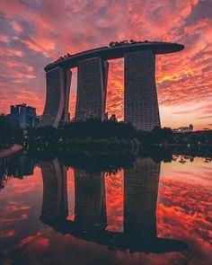 Marina Bay Sands e Cassino em Singapura Marina Bay Sands, Singapore City, Singapore Travel, Places To Travel, Places To See, Singapore Architecture, Sands Resort, Futuristic City, Local Photographers