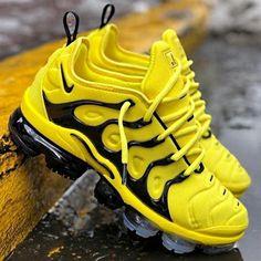 Nike Vapormax Sneakers Plus Jaune, Sneakers Mode, Sneakers Fashion, Shoes Sneakers, Sneakers Workout, Superga Sneakers, Winter Sneakers, Black Sneakers, Shoes Men, Casual Sneakers