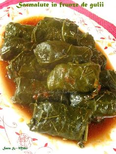 Cotlete de porc in sos aromat cu rozmarinCulorile din Farfurie Romania Food, Palak Paneer, Deserts, Food And Drink, Bacon, Zucchini, Meat, Ethnic Recipes, Martha Stewart