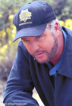 Gil Grissom (William Petersen)