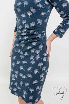 Diala dialamueller on pinterest idee kleid mit seitlicher raffung fandeluxe Gallery