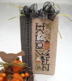 Halloween Wall Decor by SnowBerryNeedleArts on Etsy: