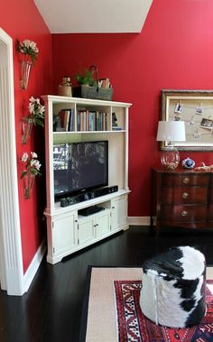 Tv corner unit http://www.ourfifthhouse.com/2012/09/putting-baby-in-corner-dealing-with.html?m=1