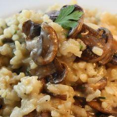 Uno de los trucos para que el risotto quede cremoso es no lavar el arroz y aprovechar su almidón.