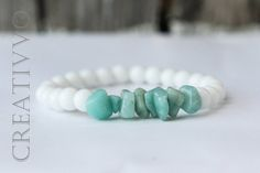 Natural Aquamarine and Agate bracelet - A stone of natural justice, Chips bracelet, Aquamarine Bracelet, Beaded Bracelet, Womens Bracelet by Creativvo on Etsy