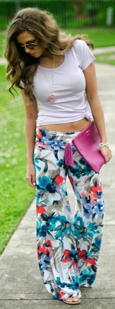 Trendy Outfit Ideas with Floral Pants (7)