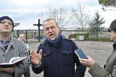 Oggi conferenza stampa per presentare gli interventi effettuati - Si � tenuta oggi la conferenza stampa presso il cimitero nuovo per presentare i lavori di risistemazione dell