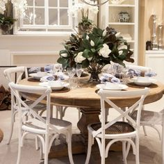 Boston Dining Tables Round Styled One